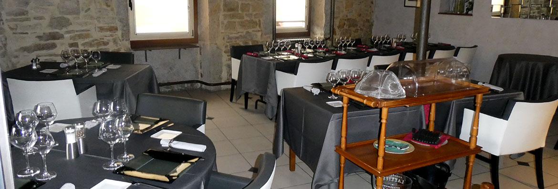 salle restaurant le lion d'or à Lagnieu